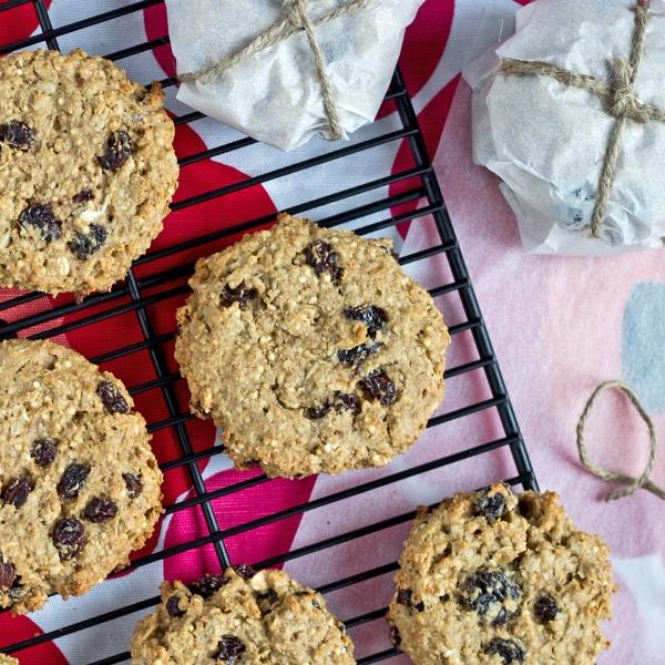 Gluten Free Peanut Butter Oatmeal Breakfast Cookies