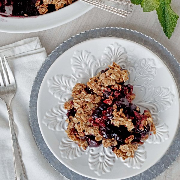 Vegan Cherry Berry Crumble